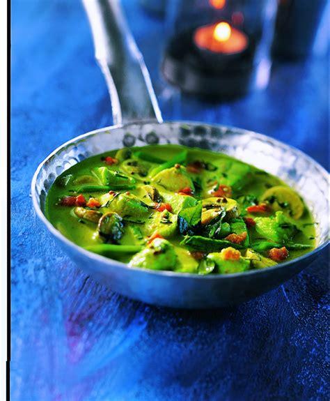 cuisine poulet curry vert recette poulet thaï au curry vert