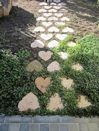 garden stepping stones Best 25+ Garden stepping stones ideas on Pinterest | Leaf ...
