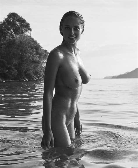 Genevieve Morton Nude HOT Pics Scandal Planet