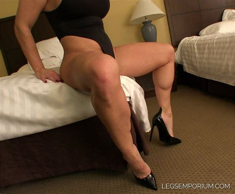 Sexy Muscular Legs Of Tanya Hyde Legs Emporium By