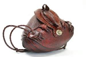 earrings new york 40s 50s vintage armadillo handbag brown