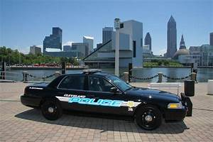 Cleveland Police launch manhunt for 'armed and dangerous ...