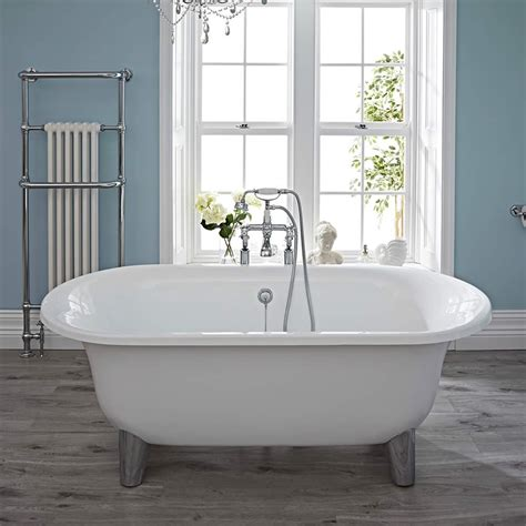 a tub acrylic oval shaped free standing bath tub with choice of
