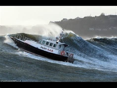 Big Boat Collisions by Top Ten Most Awesome Boat Crashes Collisions Sinkings
