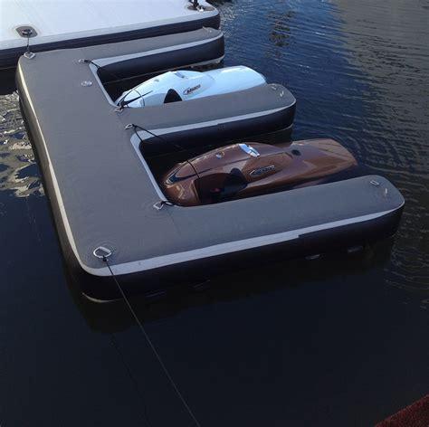 Inflatable Boat Dock Fenders by Aere Inflatable Jetski Dock Maru Watersport En Industry