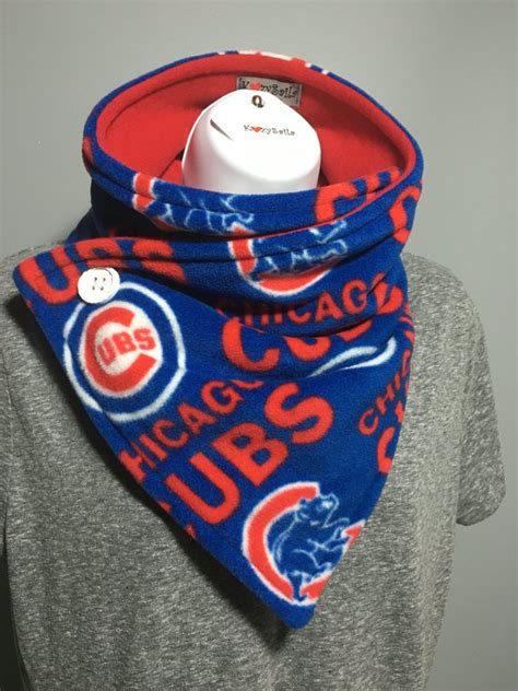 gifts for cubs fans sale gift ideas chicago cubs scarf chicago cubs fan wear