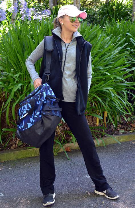 wool fleece vest womens black wool fleece vest  zip fastening  pockets smitten