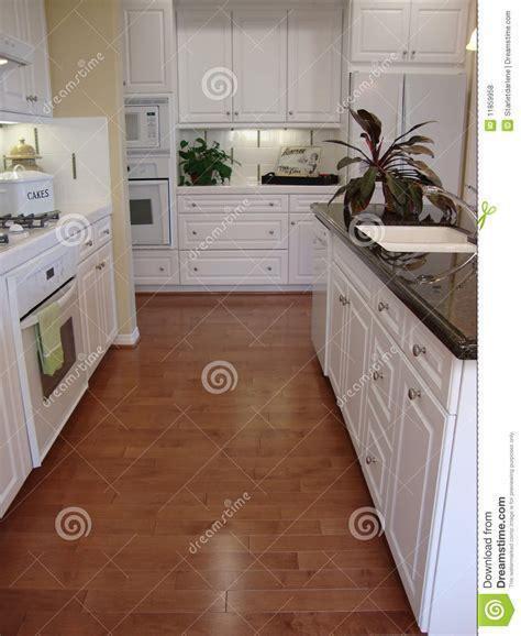 beautiful kitchen floors cocina hermosa con los suelos fotos de archivo libres de 1554