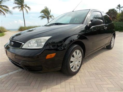 sell  ford focus hatchback coupe manual economy