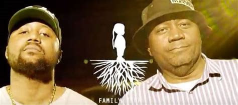Watch As Cassper Nyovest's Father Dances At His Family