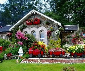 Small House Flower Garden – House Decor Ideas