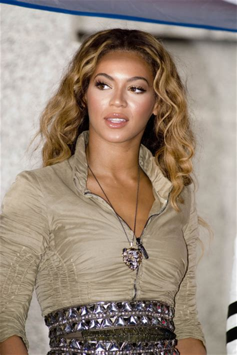 beyonce  beautiful highlighted waves
