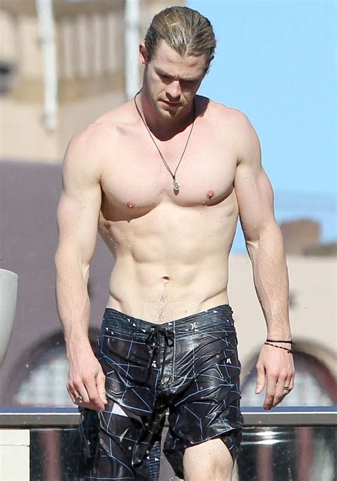 chris hemsworth australian actor celebrities fittest body ripped pool fitness training pecs than
