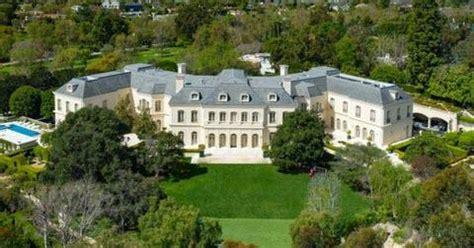 la mega mansion sets record  selling   million  hedge