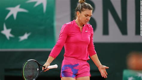 Teenager Iga Swiatek stuns top seed Simona Halep at French ...