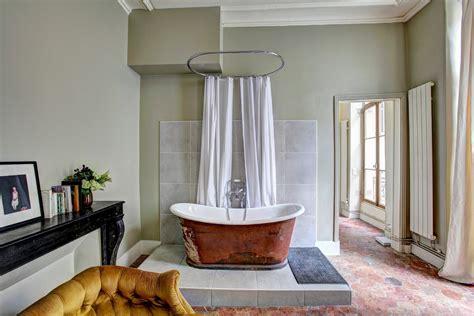 piastrelle con disegni disegni per il bagno con carta da parati per bagno