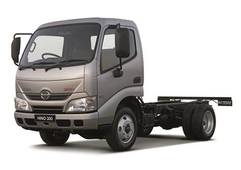 Foto Teruk Hino by Hino Previews New Medium Truck Range At Truck Show
