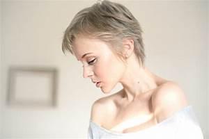 Coupe Courte Femme Cheveux Gris : coupes courtes pour femme les tendances de 2017 ~ Melissatoandfro.com Idées de Décoration