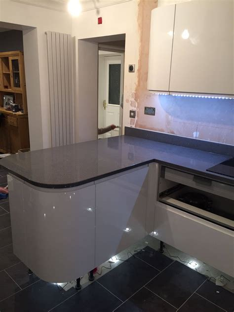 grey quartz worktops rock   granite