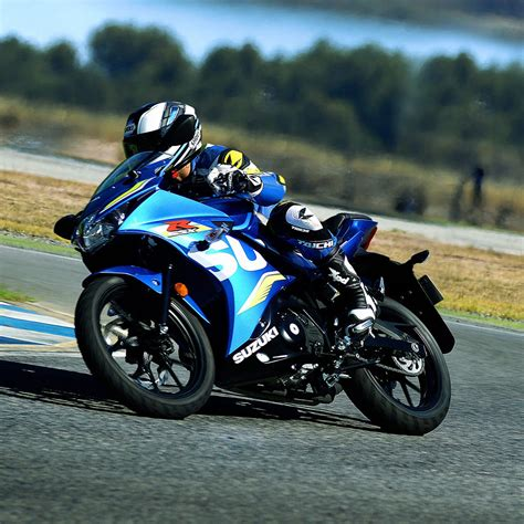 Sportbikes offer the most advanced motorcycle design technology available and are designed for optimum speed, acceleration, braking and maneuverability. Suzuki GSX R125 Sport Bike - Chelsea Motorcycles Group