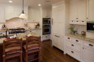 kitchen crown molding ideas simplifying remodeling 9 molding types to raise the bar on your kitchen cabinetry