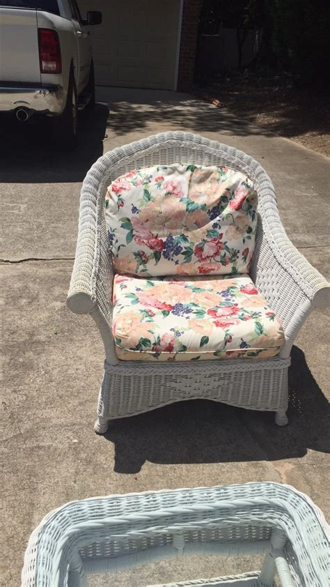 bought  henry link white wicker patio furniture set