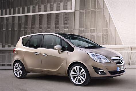Opel Meriva by 2011 Opel Vauxhall Meriva Interior Revealed Autotribute
