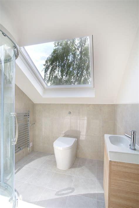 Kleines Badezimmer Fliesen Größe kleines bad im dachboden mit oberlicht badezimmer in