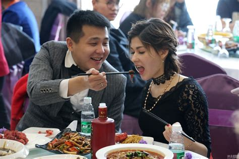 Chinese Coal Miner Marries Russian Girl Who Says She