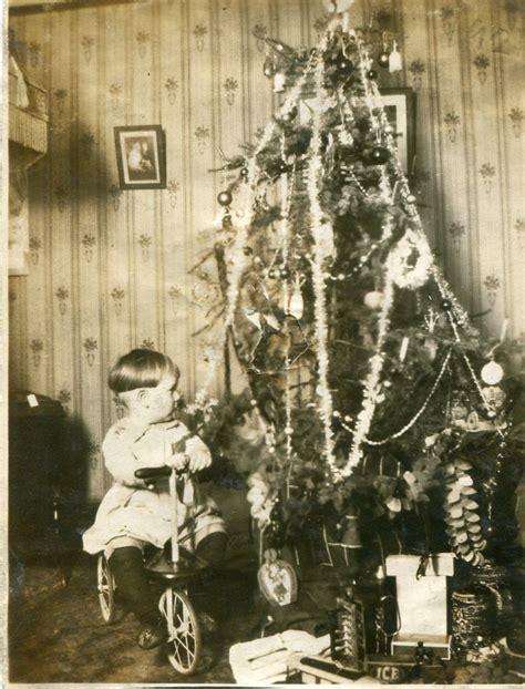 1920s kid vintage tree