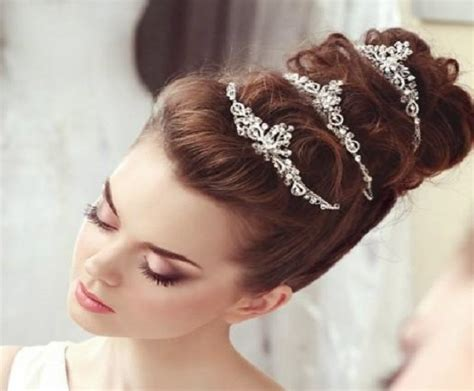 Stunning Hairstyles With Tiaras For Brides   SHE'SAID'