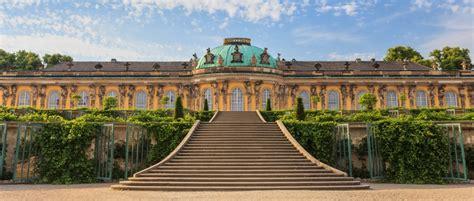 Schloss Sanssouci Ist Die Attraktion In Potsdam