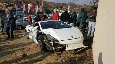 lamborghini gallardo  crashed  johannesburg