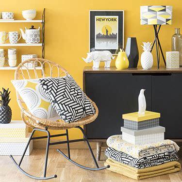 voilage chambre ado du jaune dans la chambre et pourquoi pas mobilier