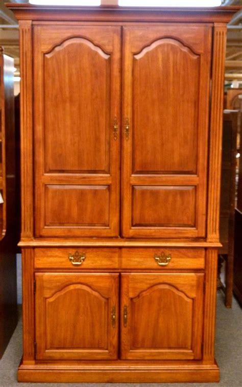 thomasville cherry armoire delmarva furniture consignment