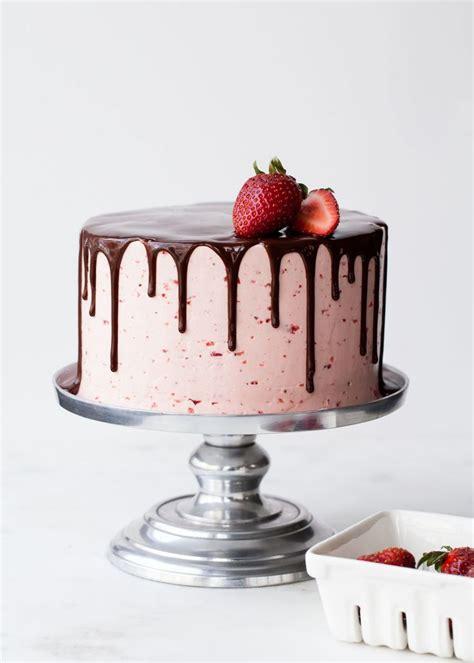 ideas  strawberry cake decorations