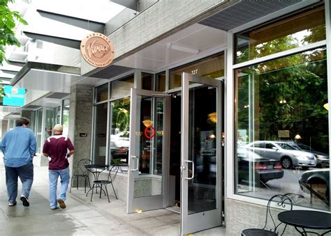 Cost $18 for two people (approx.) SeattleFlyerGuy's All-Purpose Travel Blog: Top 15 Seattle Coffee Shops (1 through 5)