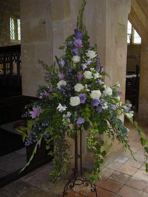 pedestals floral decorators instagram 1000 ideas about church flower arrangements on