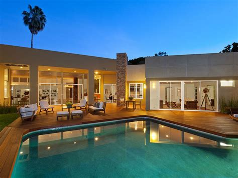 beverly hills estate  frank lloyd wrights lead architect modern mansion villa
