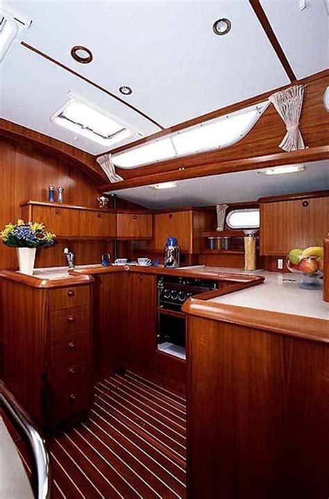 cucina barca crociere in barca a vela schooner per le vacanze
