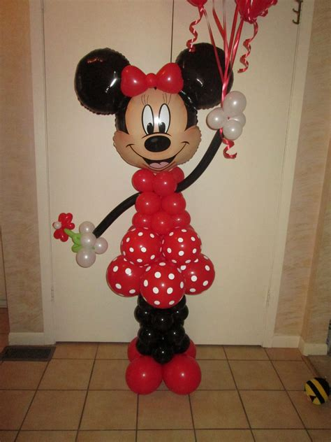 Mickey And Minnie Balloon Decorations - minnie mouse in delivery a special birthday