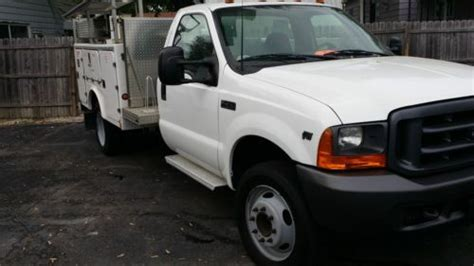 sell   ford  bucket truck  boom versalift