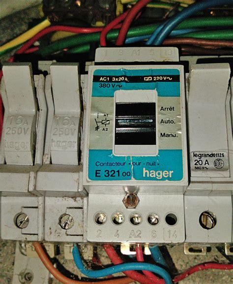 forum d 233 pannage 233 lectricit 233 probl 232 me branchement contacteur jour nuit hager e321 probl 232 me