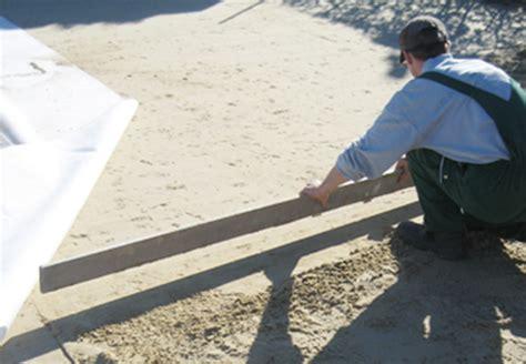 verlegung terrassenplatten in splitt terrassenplatten verlegen terrasse bauen mit obi