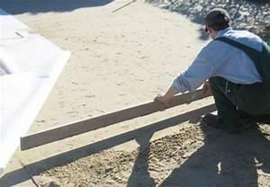 terrassenplatten verlegen terrasse bauen mit obi With französischer balkon mit garten sand statt rasen