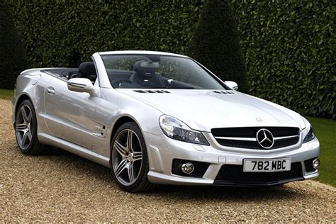 The early versions featured some luxury features such as leather seats and an infotainment unit with navigation. Mercedes-Benz SL-Class AMG (from 2002) used prices | Parkers