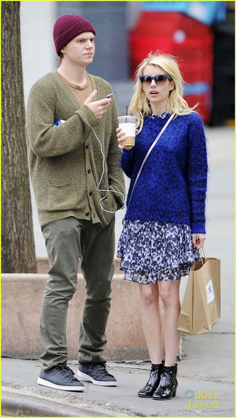 Emma Roberts Blows Major Bubble in New 'Scream Queens ...