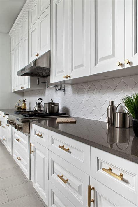 Buy Classic White Frameless Kitchen Cabinets Online