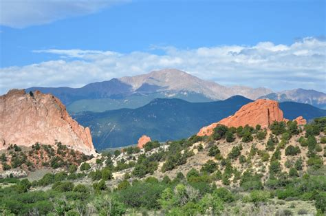 unconformable contact garden of the gods and pikes peak