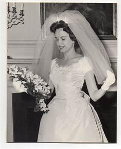 vintage photo pretty bride wedding portrait 196039s nov With 1960s wedding dresses styles